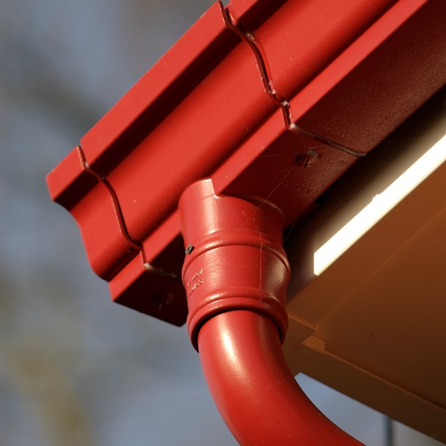 Aluminium guttering by Marley Alutec Traditional Moulded Ogee.