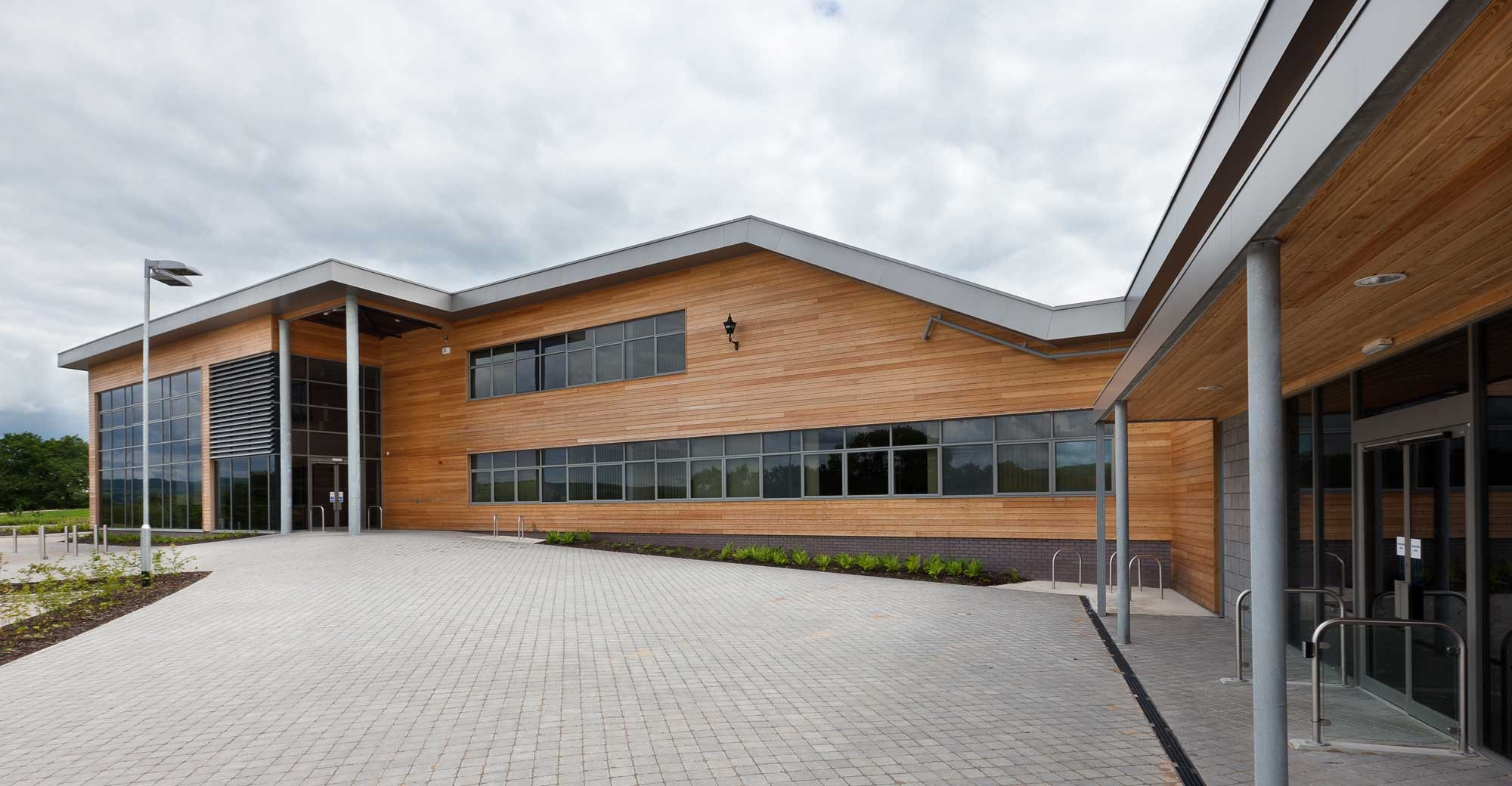 Composite Aluminium Coping System From Marley Alutec